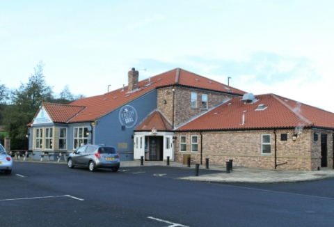 Exterior of The Hollymere in Grangetown.